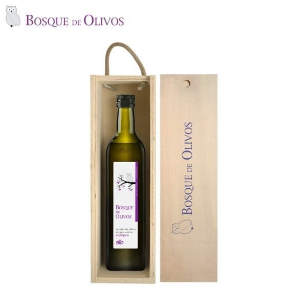 Caja de madera maciza de pino, con botella 750ml aceite oliva virgen extra ecológico. Tienda Online Bosque de Olivos. Somos productores.